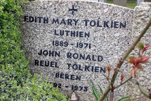 tolkien-tomb