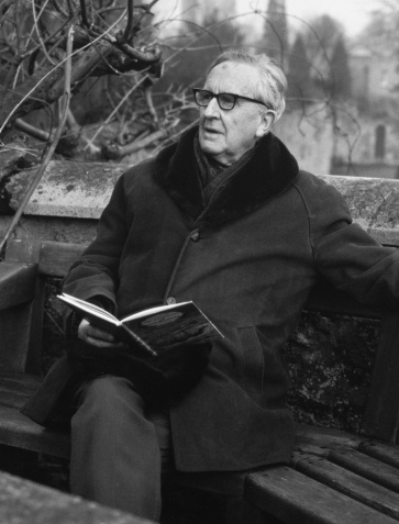jrr-tolkien-reading